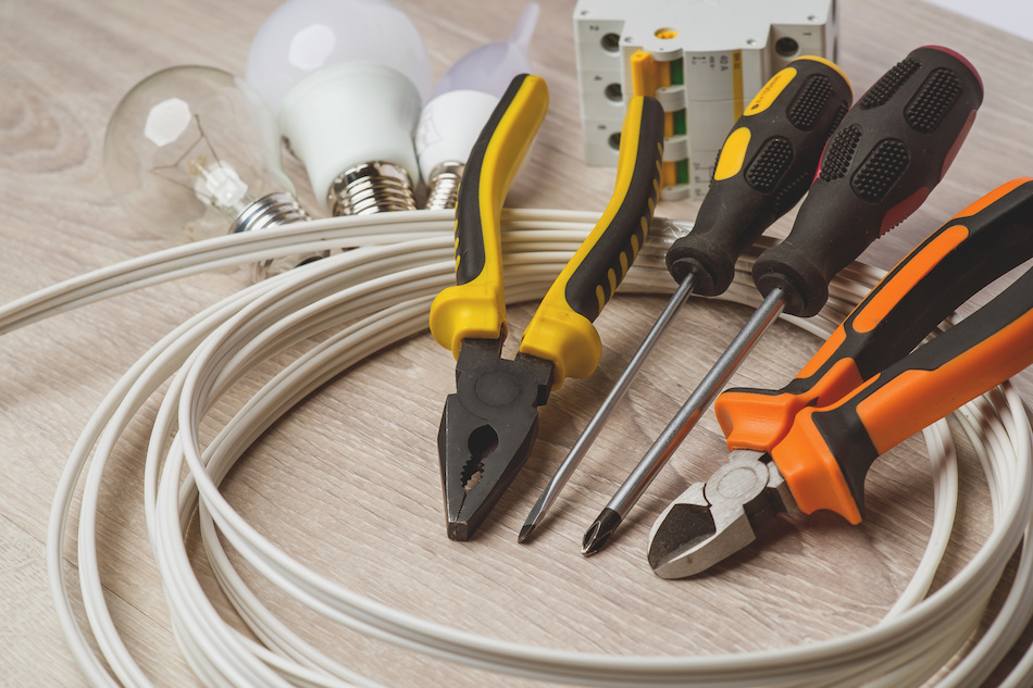 Hire a Pro or DIY for Common Home Repairs?